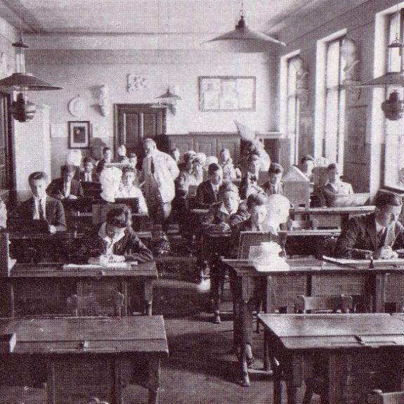 Im Unterricht um das Jahr 1930